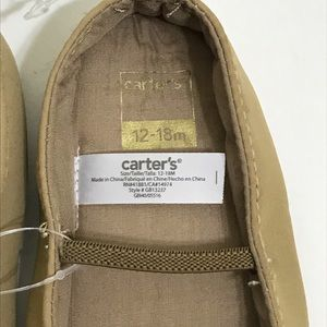 NWT Carter's baby shoes in tan color 12-18 months